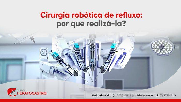A imagem mostra um aparelho de cirurgia robótica.