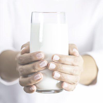 Intolerância à lactose: descubra quais são os sintomas e como tratar